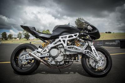 motoinno-motorcycle-innovation-hub-centre-front-suspension-19.jpg
